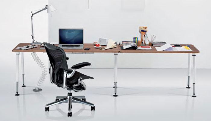 Herman Miller Aeron and Sense Desk Workstationer